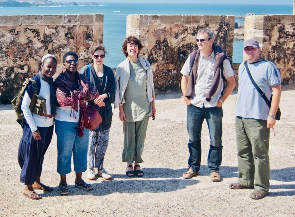 Group picture in Essaouira. Mother-daughter relationships.